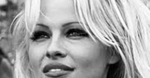 Pamela Anderson denuncia que sofreu abuso e chama ex de monstro