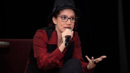 Nascida em Ribeirão Preto, Luiza Romão é poeta, atriz, slammer e arte-educadora – Crédito: João Thiago