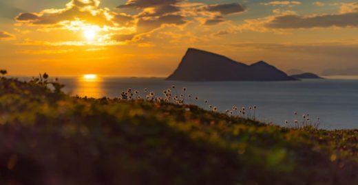Ilha na Noruega abandona os relógios durante o verão