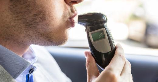 Médicos britânicos vão testar 'bafômetro' que pode detectar câncer