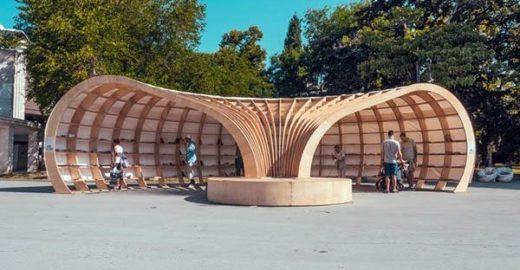 Arquitetos criam biblioteca de rua na Bulgária para incentivar leitura