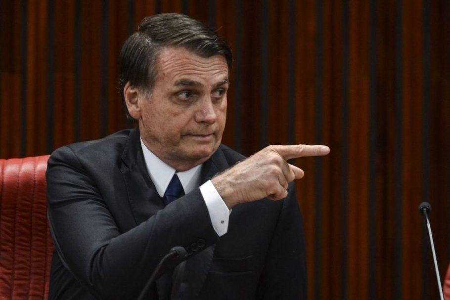 """""""Daqueles governadores de 'paraíba', o pior é o do Maranhão; tem que ter nada com esse cara"""", diz Jair Bolsonaro"""
