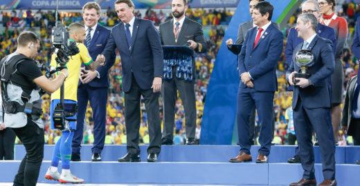 'O respeito prevalece', diz Marquinhos sobre vaias a Bolsonaro