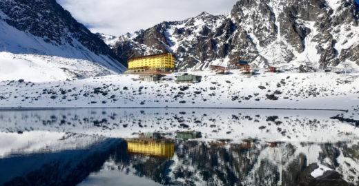 Um guia para curtir a temporada de neve em Portillo, no Chile