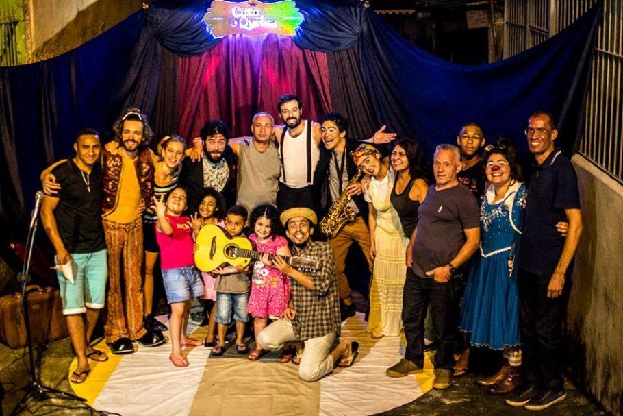 Interação durante espetáculo do Circo de Québra