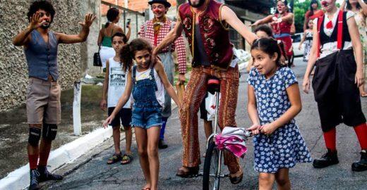 Projeto promove espetáculos de circo na periferia de SP