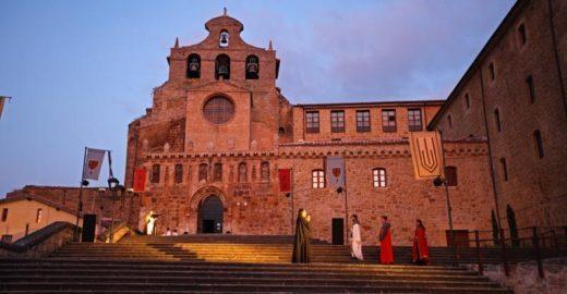 Festival na Espanha tem teatro a céu aberto em agosto