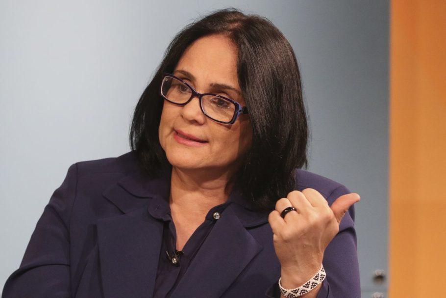 A ministra da Mulher, da Família e dos Direitos Humanos, Damares Alves,