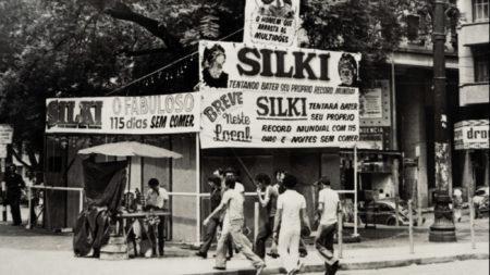 cena do filme de abertura do festival de cinema latino-americano 'Fakir'