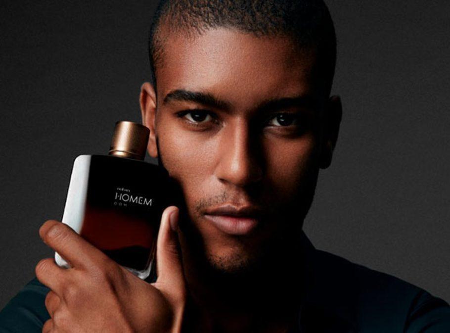 Ao lançar uma nova fragrância, a Natura faz campanha para que homens não mais silenciem sobre suas emoções