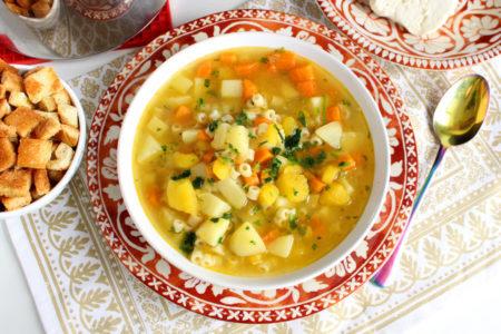 Sopa de legumes fácil e nutrititva