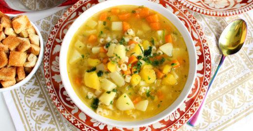 Sopa de legumes fácil e nutritiva: veja a receita