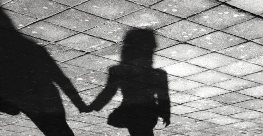 Mãe é condenada por torturar a filha de 3 anos em Santa Catarina