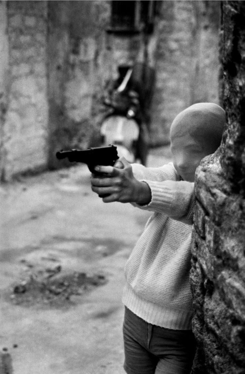 Perto da igreja de Santa Chiara: brincando de assassino, Palermo, 1982