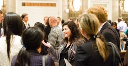 Escolas de negócios dão dicas grátis para cursar MBA no exterior