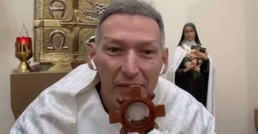Padre Marcelo Rossi acredita em milagre após atentado