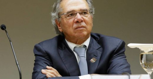 Hacker invade celular do ministro Paulo Guedes e cria Telegram