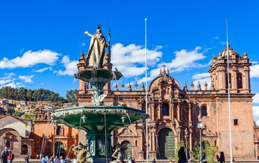 5 – Praça Central de Cusco, Cusco (Peru)