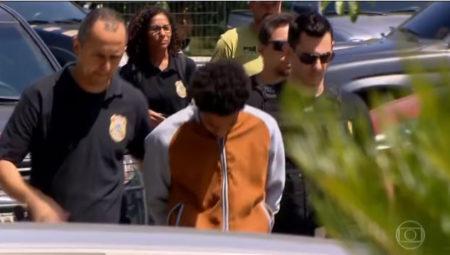 professor sendo preso