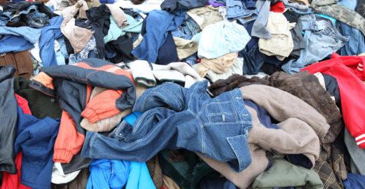 Reciclagem evita que 121 mil peças de roupas fossem parar no lixo