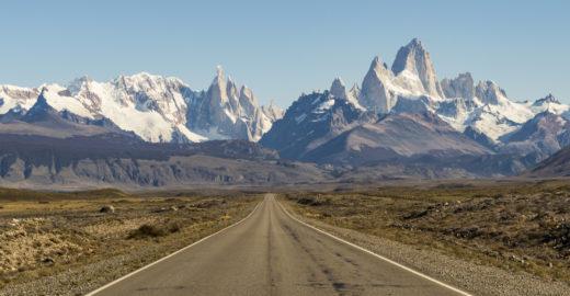 Três rotas épicas para uma aventura de moto na América do Sul