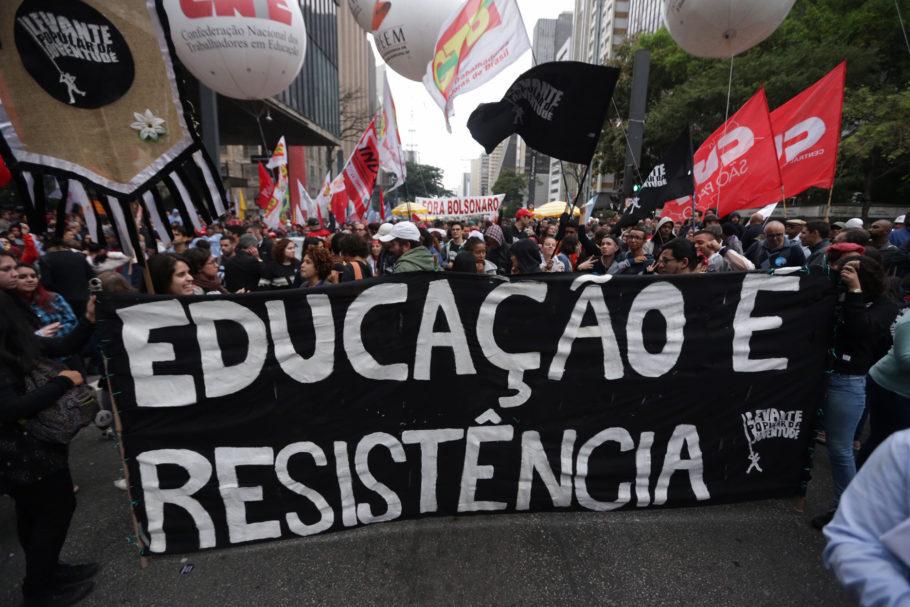 Ato na Avenida Paulista (SP) contra corte na educação