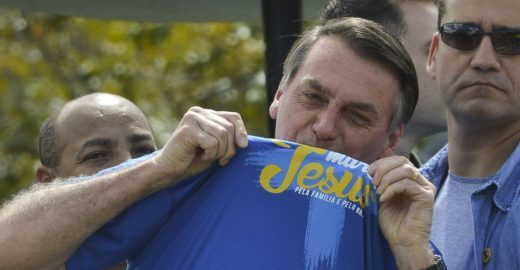 Bolsonaro diz que ideologia de gênero é coisa do capeta