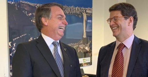 Bolsonaro acusa ONGs de estarem por trás das queimadas na Amazônia