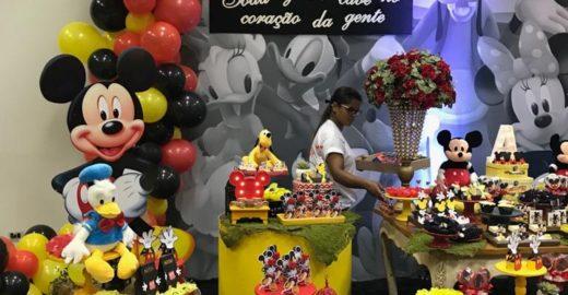 Menino autista rejeitado em aniversário ganha festa do Mickey em MS