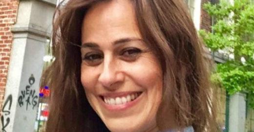 Daniela Escobar é atacada na web após revelar mordida de gato