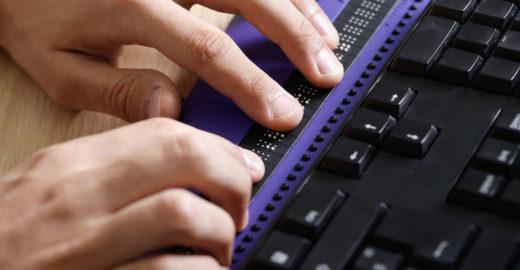 Fundação tem cursos profissionalizantes gratuitos para cegos