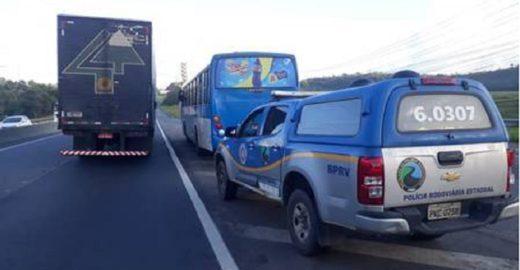 Idoso furta ônibus e dirige pelas ruas de Salvador