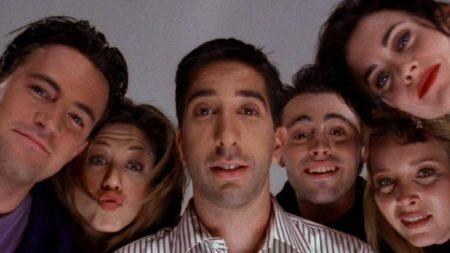 Imagem doseis personagens da série Friends de rosto