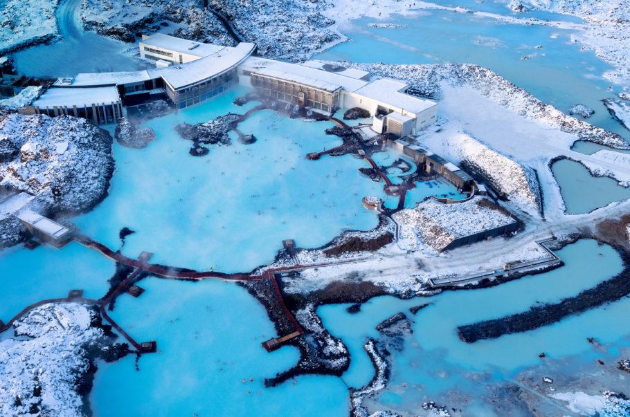 Vista panorâmica do complexo Blue Lagoon, que fica a menos de uma hora de Reykjavik, capital da Islândia