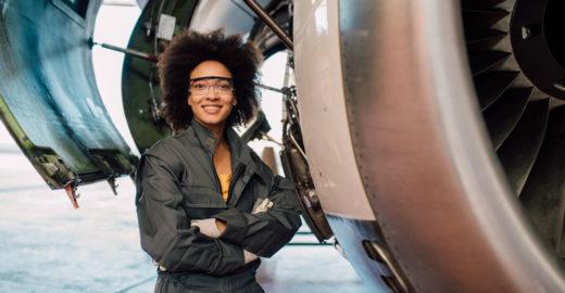 Embraer seleciona engenheiros recém-formados para especialização