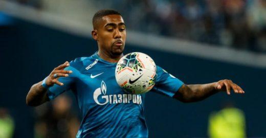 Jogador brasileiro é vítima de racismo da própria torcida na Rússia
