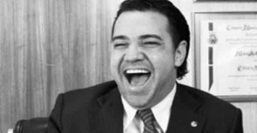 Dimenstein: pastor Marco Feliciano faz um milagre em seus dentes