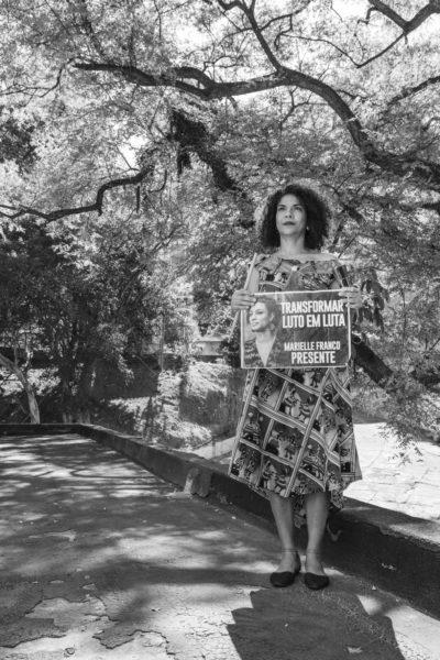 fotografia de virgina de medeiros em exposição no masp