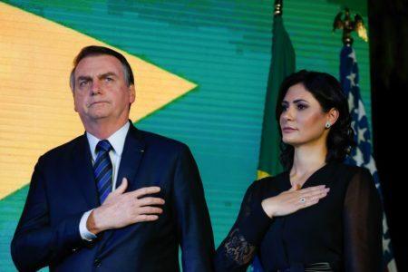 Bolsonaro não vai a Roma a pedido da primeira-dama