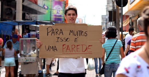 Ajude o TETO a construir moradias emergenciais pelo país