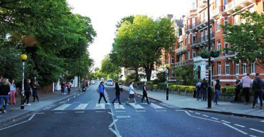 Fãs fazem viagem à história dos Beatles em passeio por Londres