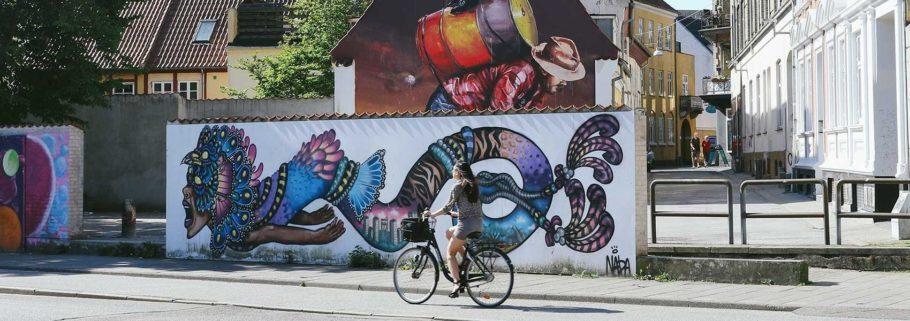 grafite nos muros da cidade de Aalborg, na dinamarca