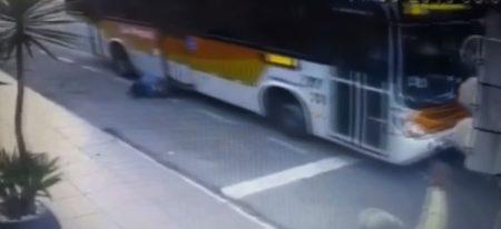 idosa atropelada ônibus