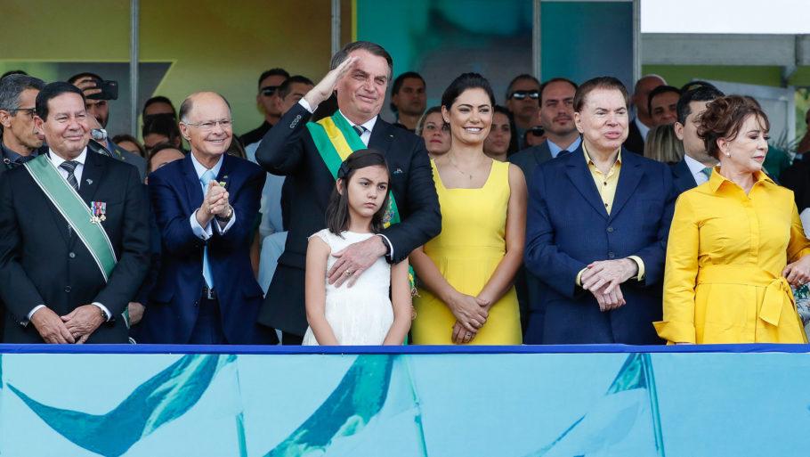 Edir Macedo, Bolsonaro, Michele e Silvio Santos durante desfile de Sete de Setembro