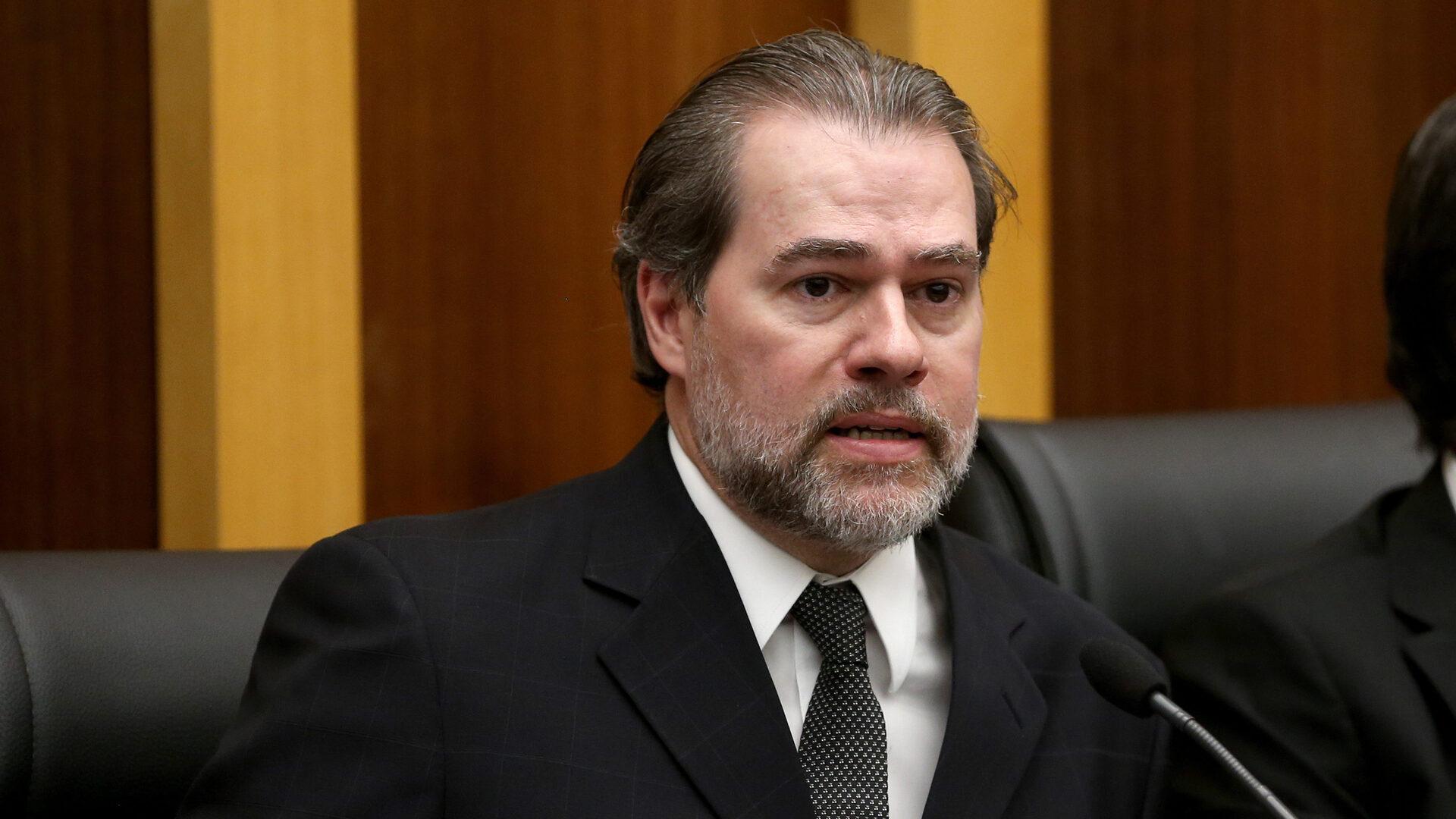 Dias Toffoli é internado com quadro de pneumonite
