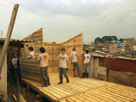 construção de moradias populares