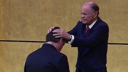 Jair Bolsonaro e Edir Macedo no Templo de Salomão
