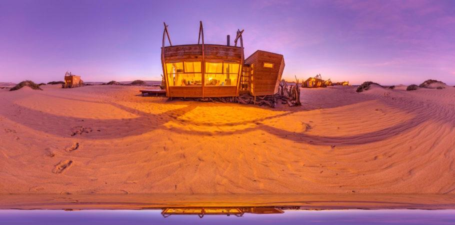 Um dos quartos do Shipwreck Lodge, na Namíbia