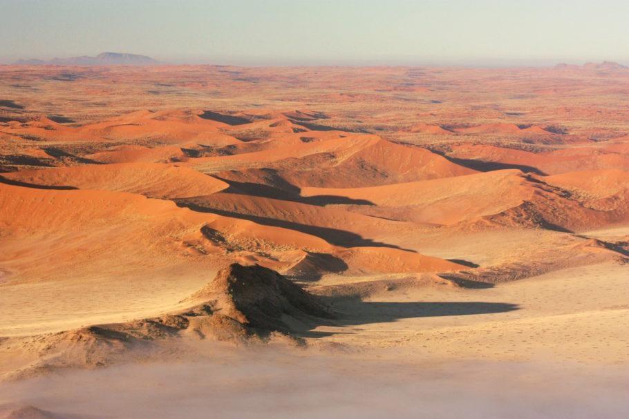 Dunas de Sossusvlei, no sul da Namíbia, vista de um balão