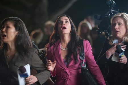 Courtney Cox em cena como Gale no filme pânico